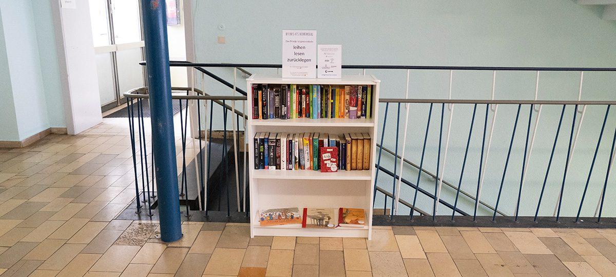 KTS Bücherregal